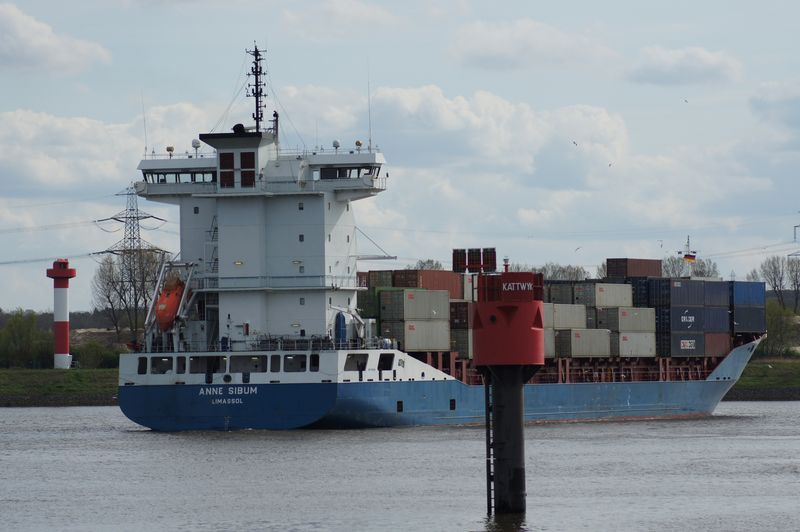Containerschiff01